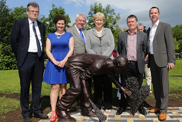 Pictured are Eoin Doyle, Cavan County Council; Catriona O'Reilly, Arts  Officer Cavan CoCo, Ger Finn C.E.O. Cavan CoCo; Heather Humphreys, Minister for Arts, Heritage & the Gaeltacht; Tony Stallard, Sculptor & Sean Keenan Arts Council of Northern Ireland